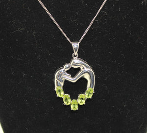"Mother Her Baby/Child Necklace, Sterling Silver 925 w/ Synt. Peridot - 16"", 6.4g"