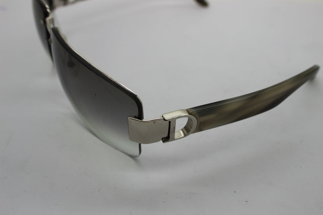 CHRISTIAN DIOR Sunglasses I LOVE DIOR 2 in color RQW44 Gray Gradient Lens