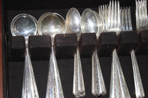 "TOWLE ""Rambler Rose"" Sterling Silver Antique Silverware - 74 pieces - 3 KG"