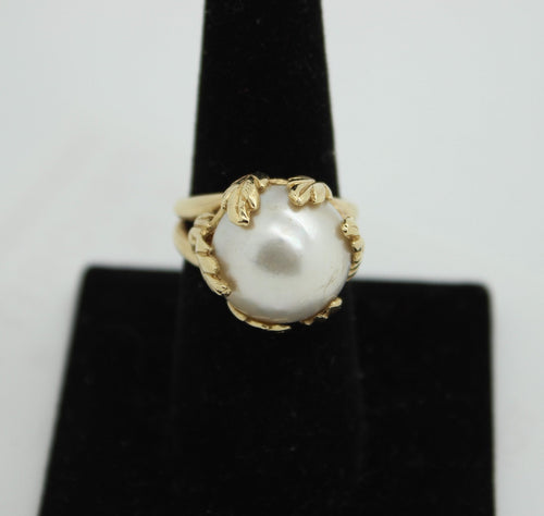 14K Gold Ring with White Pearl - Size 8