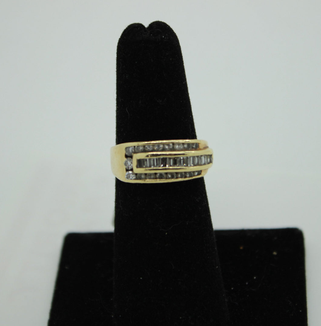 14K Gold Ring with 17 BRILLIANT Round Cut Diamonds and 10 Baguettes
