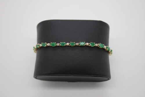 14K Gold & Emerald Tennis Bracelet - Approx. 4.50 CTW Emerald - 7 inches
