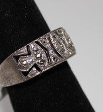 Load image into Gallery viewer, Sterling Silver (.925) Marcasite Ring - Size 5.5 - 4.2 Grams