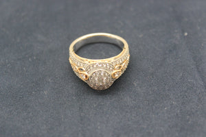 Beautiful 18K 3 tone Ladies Fancy Diamond Ring .93tcw