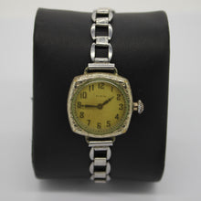 Load image into Gallery viewer, Vintage 1914 Elgin Ladies Wrist Watch - 10/0s, 15j, Grade 404, Model 1