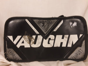 Used Vaughn B770 Size Jr Reg (Rt Hand) Black Ice Hockey Goalie Blocker