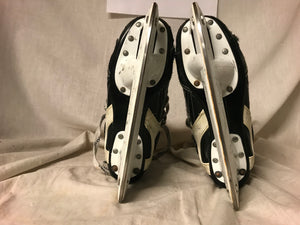 Used CCM Tacks 557 Size 2 D Ice Hockey Skates