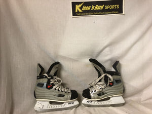 Bauer Used Vapor Size 2.5 Ice Hockey Skates