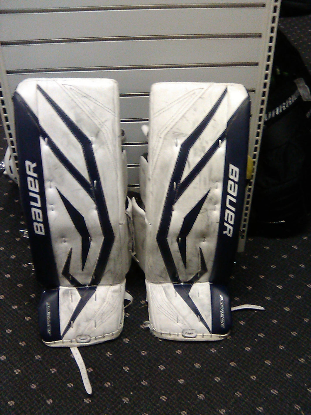Used Bauer ONE90 Size 31