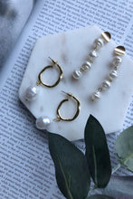 Load image into Gallery viewer, Evie Gold Hoop Earrings