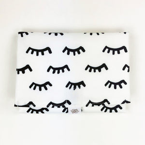 Simple Change Pad - Lashes