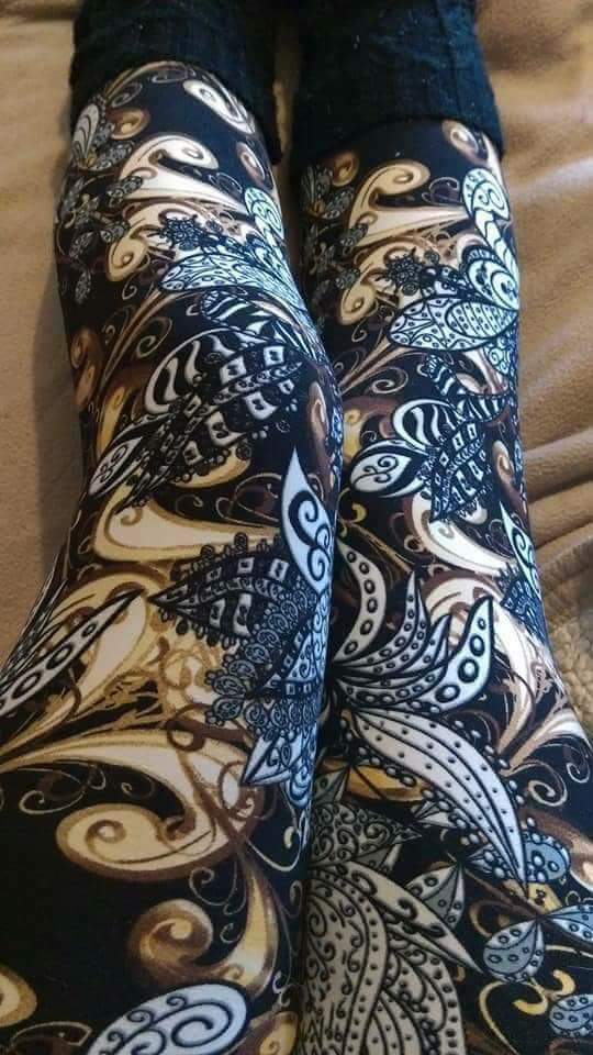 One Size Brown, Black & Creme Paisley Print Leggings