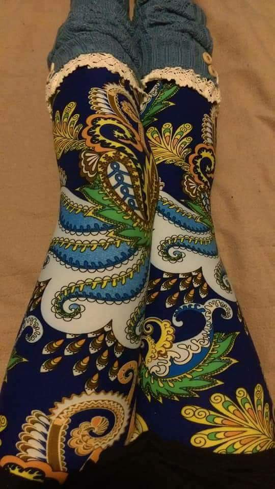 One Size Paisley Blue Wave Print Leggings