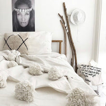 Load image into Gallery viewer, Blanket White | 300/200 | Double bed