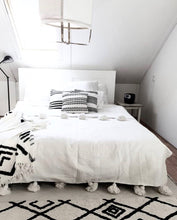 Load image into Gallery viewer, Blanket White | 300x240cm | Double bed
