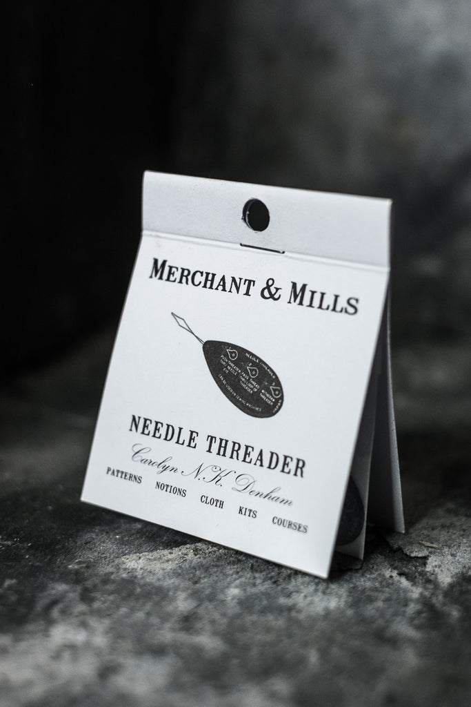 Merchant & MIlls Needle Threader - theobservatory.shop Merchant & Mills - manos