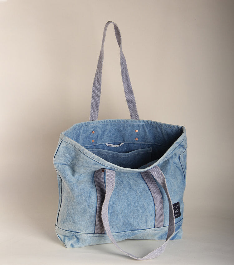 East West Tote - Small Acid Wash Denim - theobservatory.shop Immodest Cotton - manos