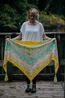 What the Fade Shawl Pattern by Drea Renee Knits - theobservatory.shop Drea Renee Knits - manos