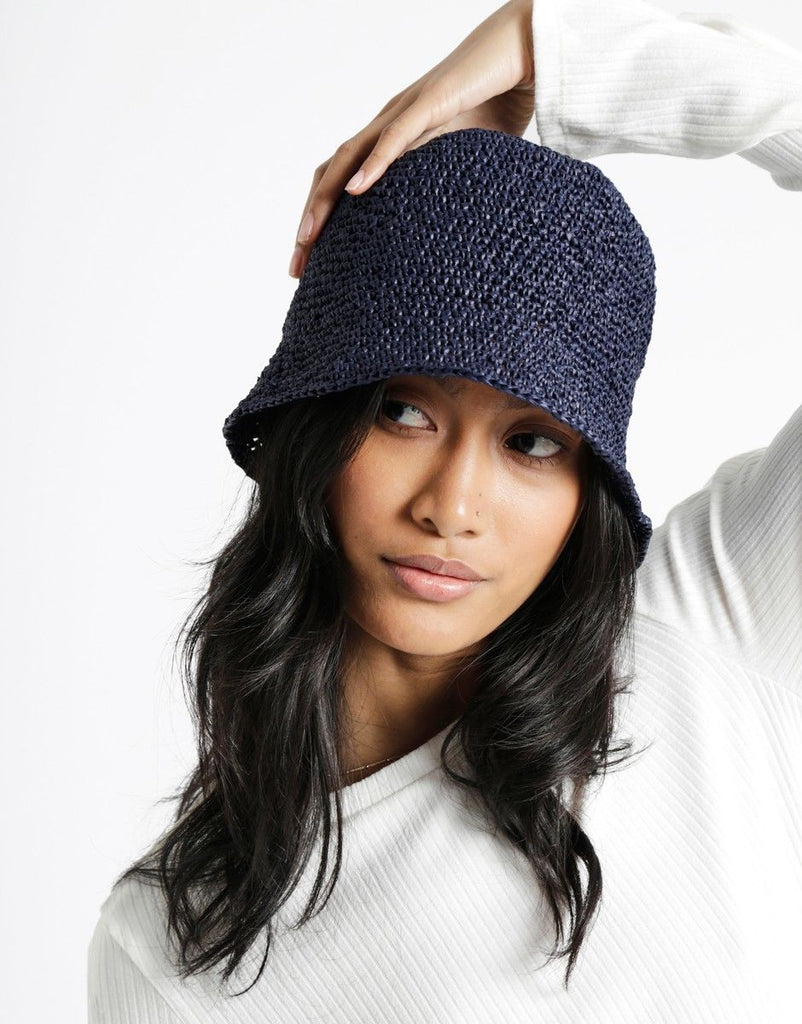 Joanne Hat - theobservatory.shop Wool and the Gang - manos