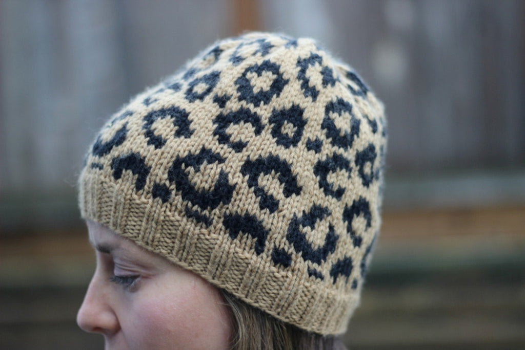 Cat Love Hat by Jenny Faifel - theobservatory.shop Deep South Fibers - manos