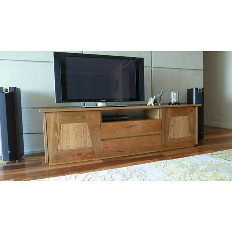 Henly Entertainment Unit 3 drawers, 2 doors