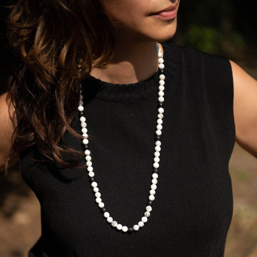 Howlite with Matte Onyx Beaded Necklace