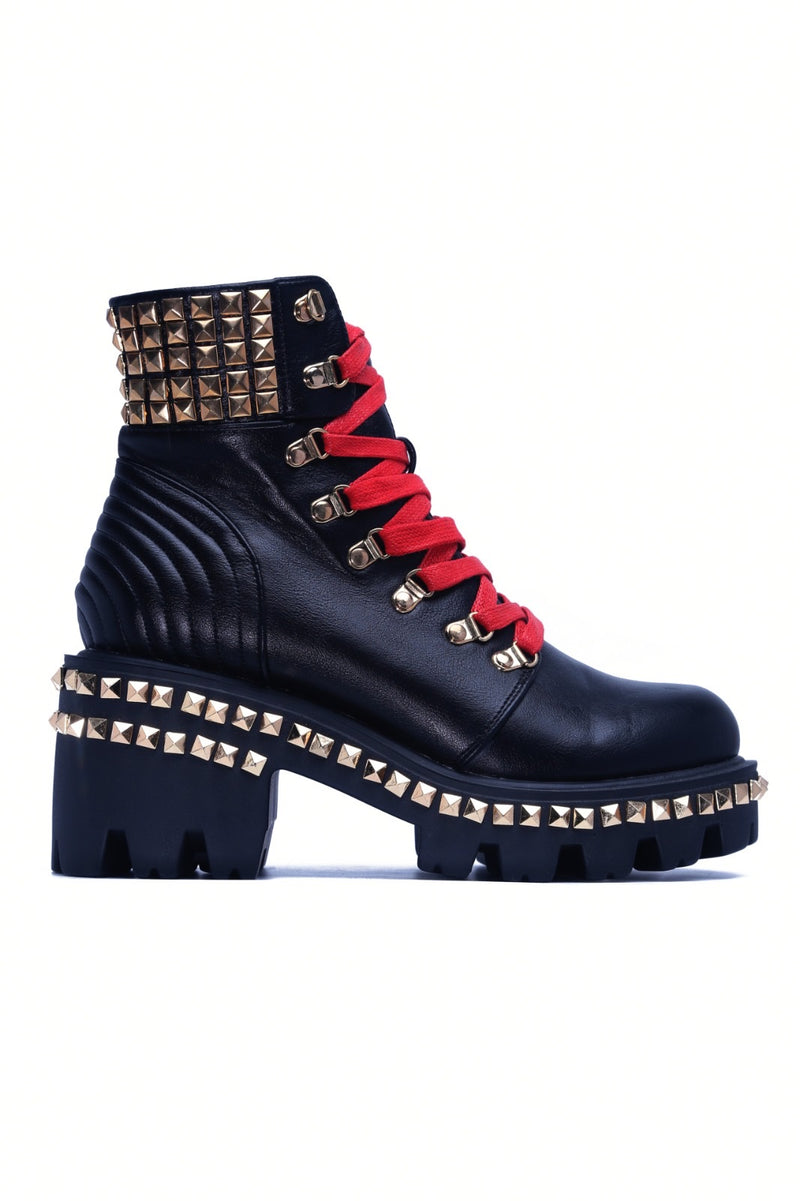 STAR STUDDED COMBAT BOOT