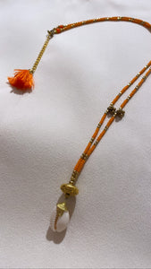 Place du soleil Shell necklace orange Oransje
