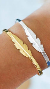 SYSTER P Feather Bangle Gull