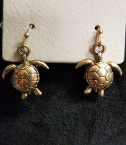 Gold Chain Turtle Necklace w/Earrings