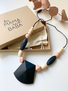 Statement necklace | Black/peach/nude