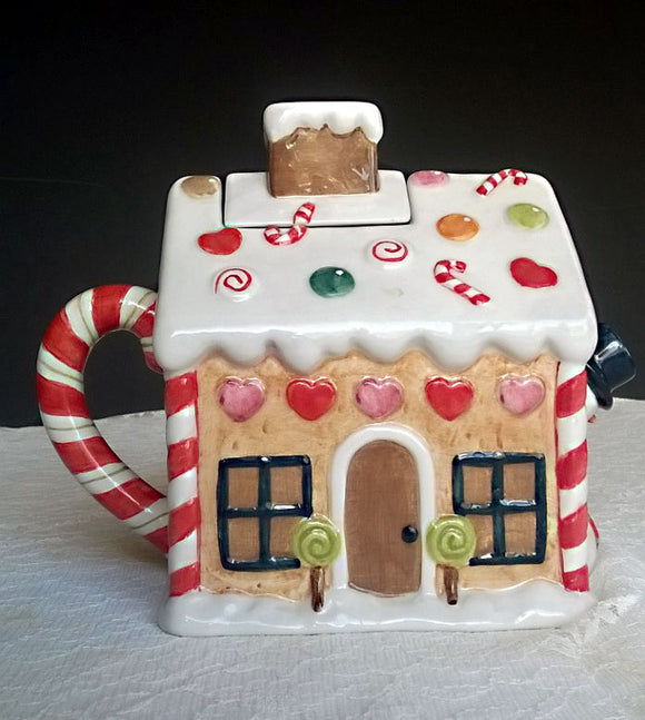 STUDIO NOVA Christmas Holiday Gingerbread House Teapot NEW - RARE - Mishon's Galleria