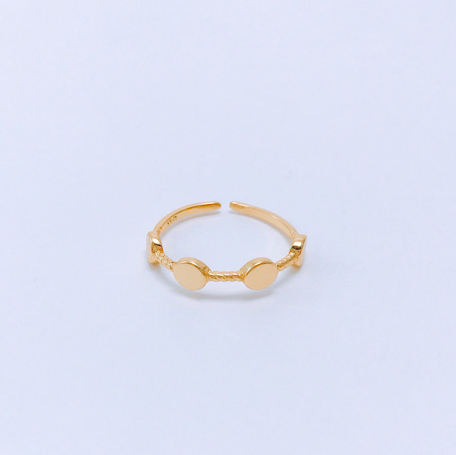Elizabeth Ring - Shop Women Jewelry | Bracelets, Earrings, Necklaces, rings & Bangles