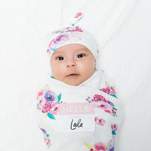 Load image into Gallery viewer, Lulujo Hello World Blanket and Knotted Hat - Posies
