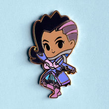 Load image into Gallery viewer, Sombra Hard Enamel Pin