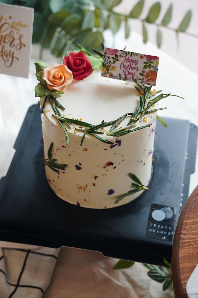 Alexis Floral Cake