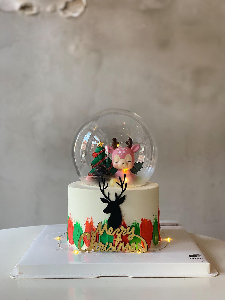 Carolle Deer Crystal Ball Cake