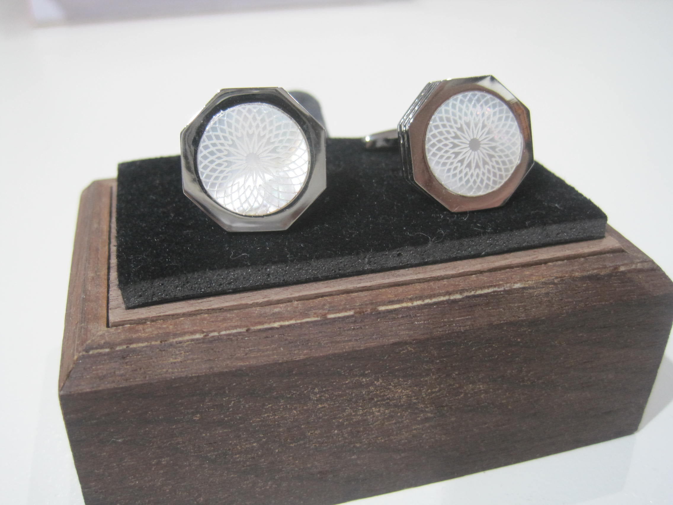 Cufflink White and Silver