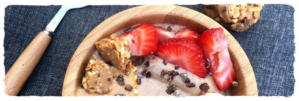 Peanut Cacao Smoothie Bowl