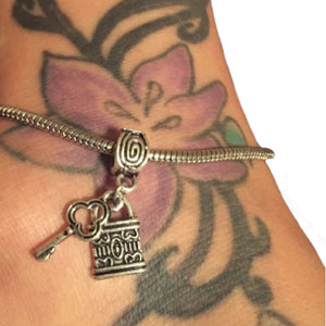 Queen Of Spades - LOCK AND KEY Chastity Charm - Silver Anklet