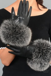 Goldman Clothing GLOVES LEATHER AND FUR PUFF Handskar Custom Made glows-leather-and-fur-puff Accessoarer Alla produkter Bästsäljare Nytt