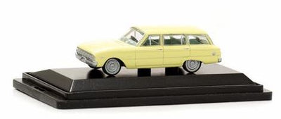 Road Ragers : 1962 XL Wagon Cassea Yellow, HO Car. die-cast