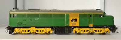 D305 - 2ND HAND - LIMA 900 CLASS 937 GREEN AN LOCOMOTIVE HO DC