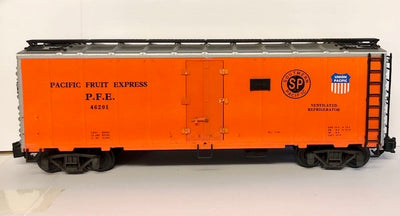 G Scale  Pacific Fruit Express 50' Refrigerator Car Kadee type couplers, #G4.