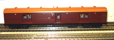 Casula Hobbies: RTR LH0 1622 Tuscan with Navy Roof passenger brake van,