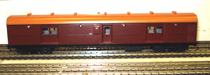 LHO $70 Save $10  Casula Hobbies: RTR LH0 1622 Tuscan with navy Roof passenger brake van.