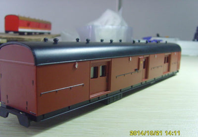 Casula Hobbies: LHY 1619 Indian Red/ Black Roof NSWGR BRAKE VAN