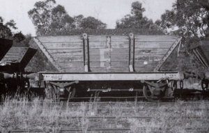 A. Southern Rail: LL07 | MIXED PACK | 10 WAGON SET HUNTER VALLEY PRIVATE OWNER 4 WHEEL 'LL' STEEL FRAME COAL HOPPERS HO @ $405. ea SAVE $45.00