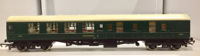2nd BRITISH HORNBY R934 PASSENGER S.R. COACH 4351 BRAKE THIRD.  VERY GOOD CONDITION.  X016