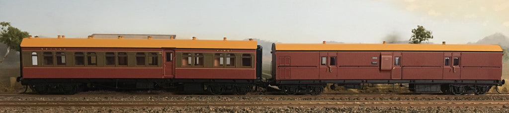CR - RRP $285: SAVE $35: CR - EHO R Type Cars CR1386 T/R Composite Car+ EHO1464 Tuscan Brake Van  R Type CARS Casula Hobbies: RTR. *